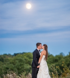 wedding photographer albany ny - couple kissing under moon